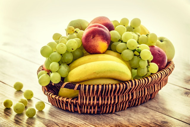 apples-bananas-basket-bunch-235294